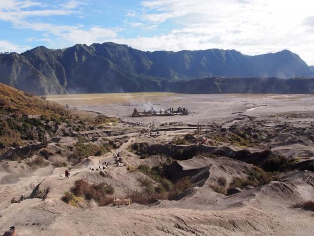 Zdjęcia: U stóp Bromo, Jawa, Krajobraz nieco księżycowy, INDONEZJA