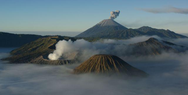 Zdj�cia: Bromo , Jawa, Panorama krateru Bromo , INDONEZJA
