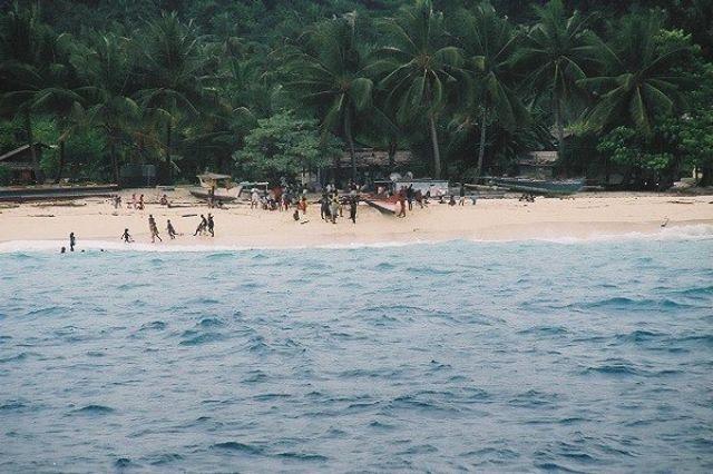 Zdjęcia: Biak-Moasbipondi, West Papua, Równikowa wyspa, INDONEZJA