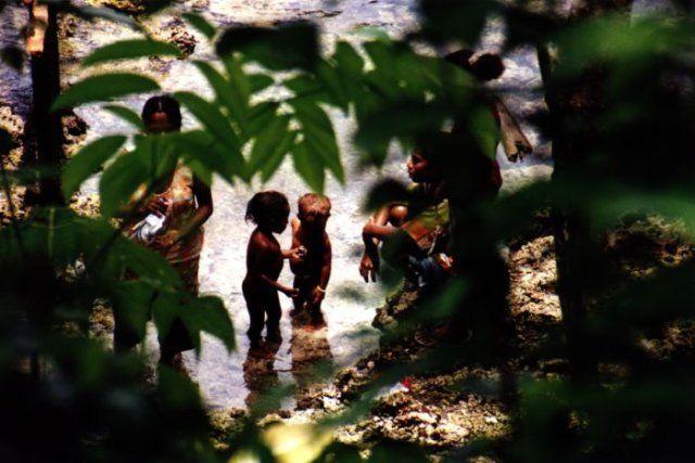 Zdjęcia: Bosnik, West Papua, Poranna toaleta, INDONEZJA