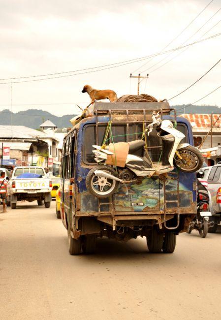 Zdjęcia: Dili, Demokratyczna Republika Timor Leste, transport publiczny w Dili, INDONEZJA