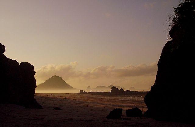 Zdjęcia: wioska Kuta Beach, wyspa Lombok, świt na plaży w Kuta Beach, INDONEZJA