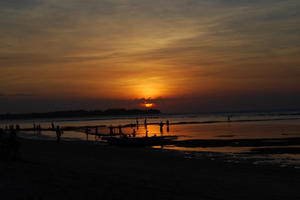 Zdjęcia: GiliAir, GiliGili, JOGA przy zachodzie słońca, INDONEZJA