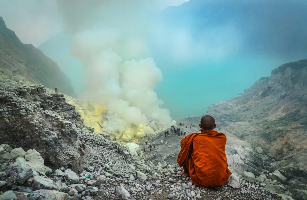 Zdjęcia: Krater wulkanu Ijen, wschodnia Jawa, Kontemplacja, INDONEZJA