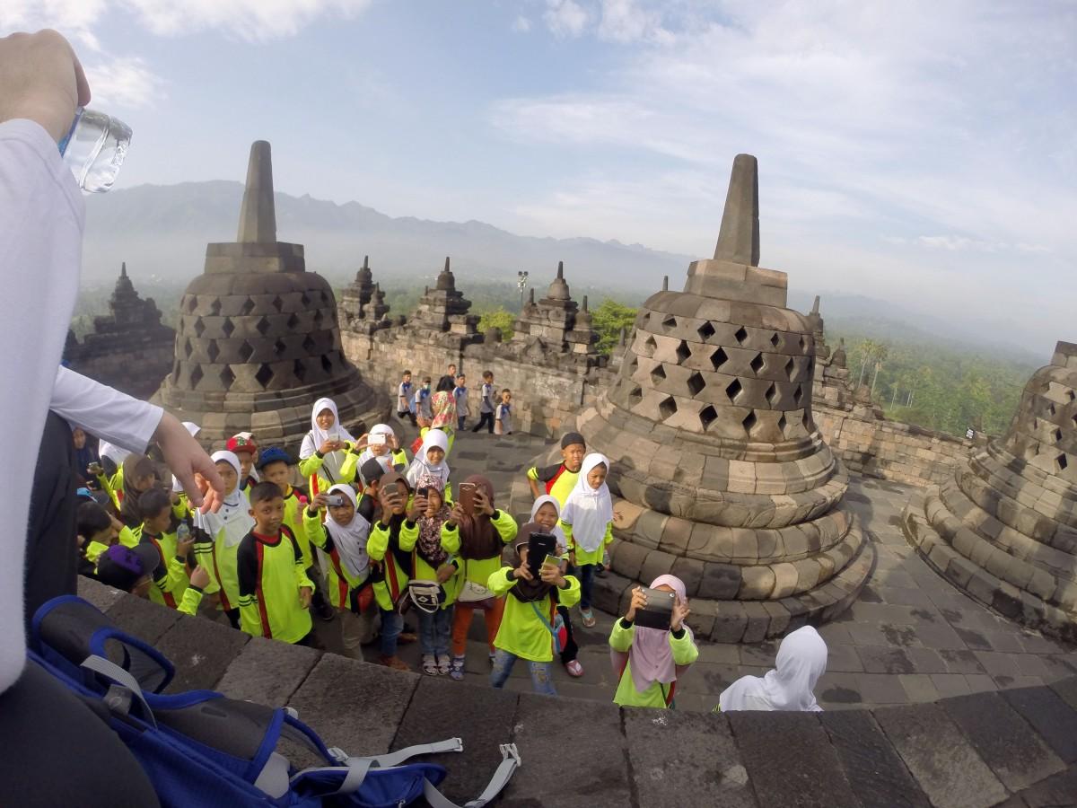 """Zdjęcia: Borobudur Tempel Stupas, Jawa, """"Zobacz Biały"""", INDONEZJA"""