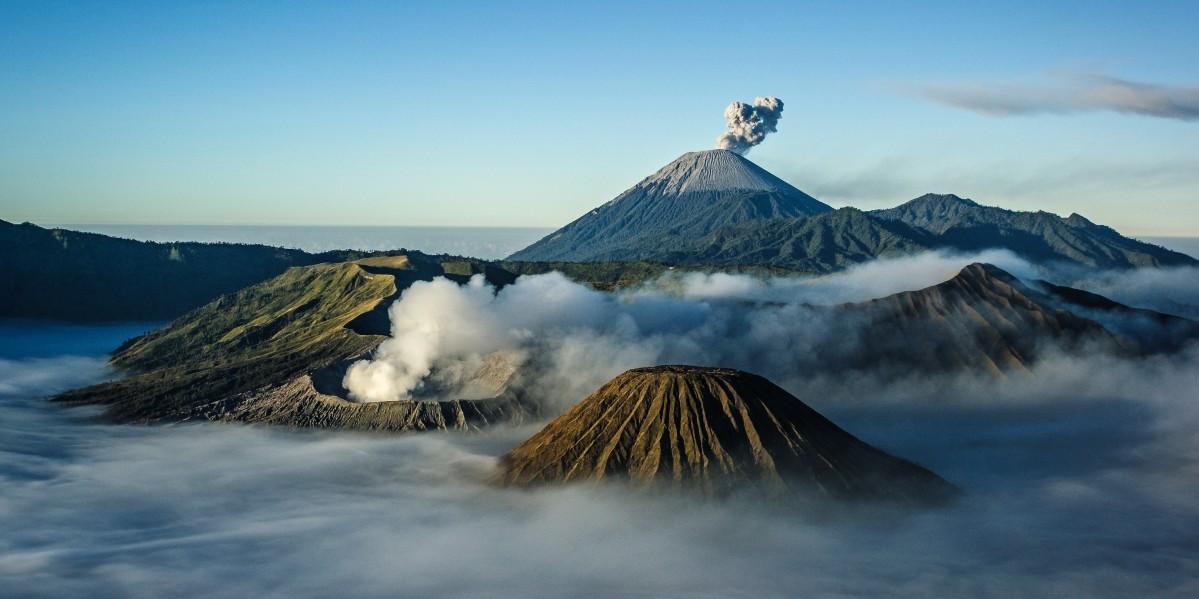 Zdjęcia: Bromo, Jawa, krajobraz o wschodzie , INDONEZJA