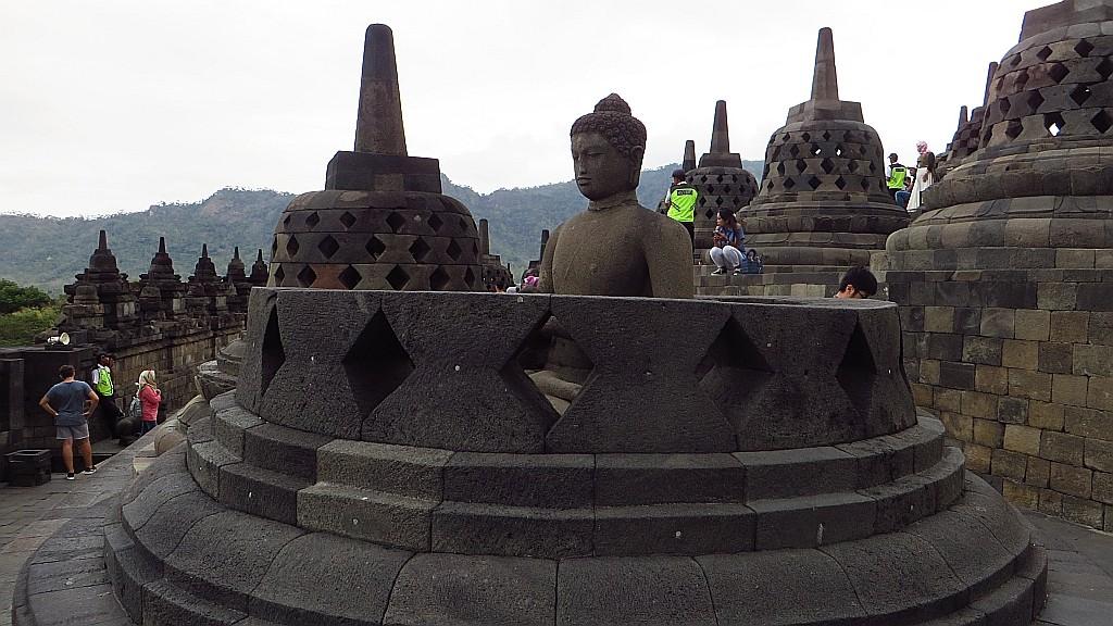 Zdjęcia: stupa Borobodur, Jawa, Borobudur droga do Oświecenia, INDONEZJA