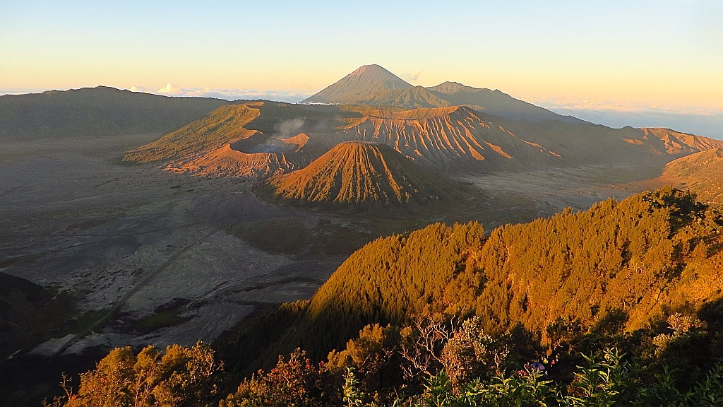Zdjęcia: kaldera Tengger, Jawa, wschód słońca nad kalderą Tengger, INDONEZJA