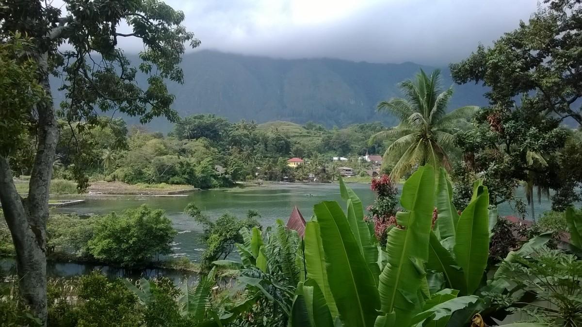 Zdjęcia: Indonezja, Wyspa Samosir na jeziorze Toba, Lake Toba, Tuk Tuk, Samosir, Lake Toba, INDONEZJA