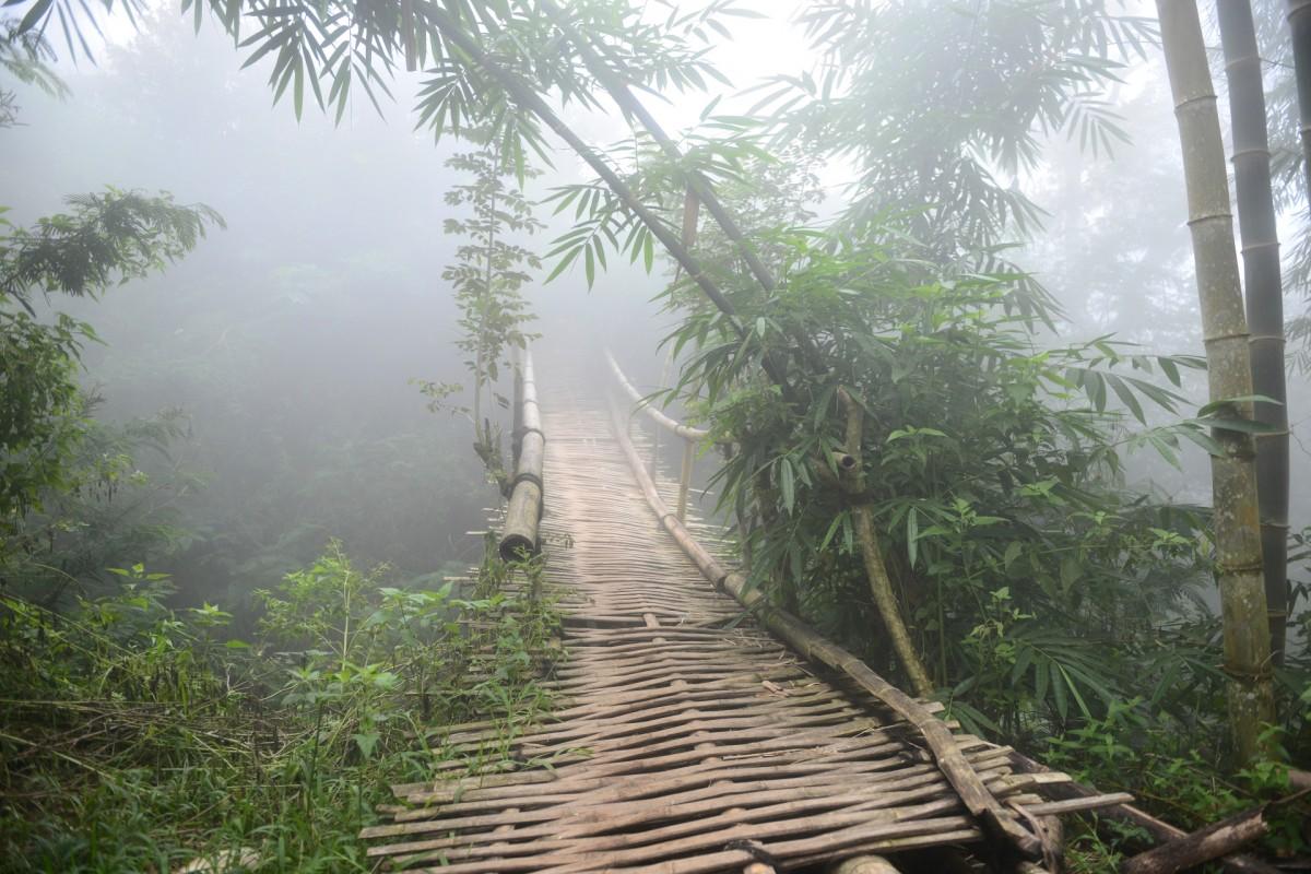 Zdjęcia: szlak do wioski Wae Rebo, wyspa Flores, Most do innego świata, INDONEZJA