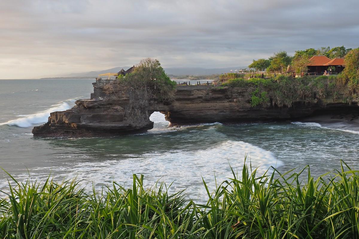 Zdjęcia: Beraban, Bali, Pura Batu Bolong, INDONEZJA