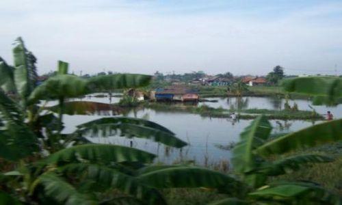 Zdjecie INDONEZJA / Jawa / wioska w centrum wyspy / grunt to... woda