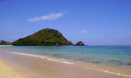 Zdjecie INDONEZJA /  Lombok / wioska Kuta Beach / rozległe i puste plaże na Lombok