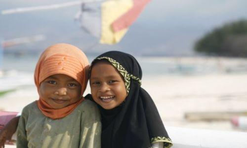 Zdjęcie INDONEZJA / Lombok / Gili Travangan / Male muzułmanki