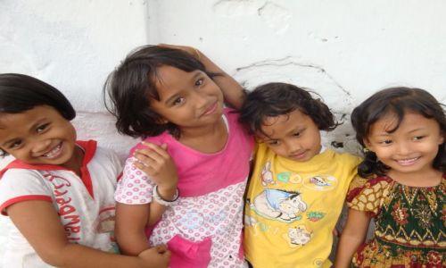 Zdjecie INDONEZJA / - / UBUD / młoda Indonezja