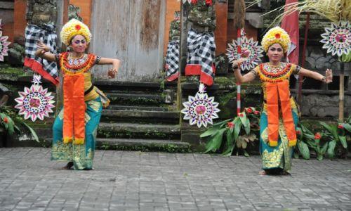 Zdjecie INDONEZJA / - / Bali   Tancerki / Indonezja