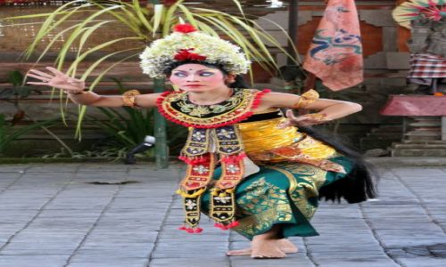 Zdjecie INDONEZJA / Bali / Bali / Tancerka