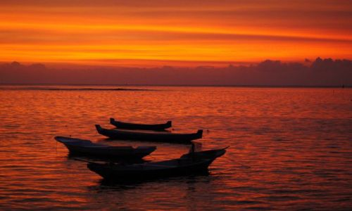 Zdjecie INDONEZJA / Lembongan / Jungut / Spektakularny zachód