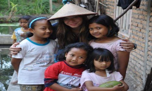 Zdjecie INDONEZJA / Yogyakarta / Yogyakarta / na polu ryzowym