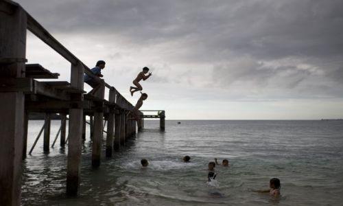 Zdjęcie INDONEZJA / Lombok / poludniowy zachod wyspy / skok