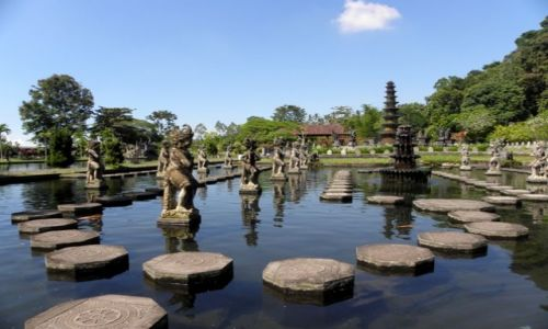 INDONEZJA / Bali / Tirtagangga / Pałac wodny