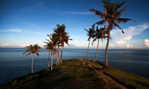 Zdjęcie INDONEZJA / Lombok / 15 km od Singgigi / Konkurs, a moze budzenie przy takim widoku?