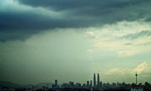 Zdjecie INDONEZJA / - / Kuala Lumpur / Nadchodzi burza...