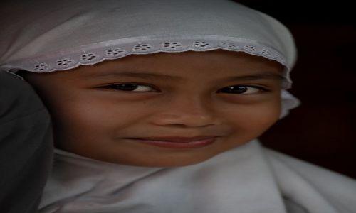 Zdjecie INDONEZJA / Lombok / Lombok / Dziewczynka z Lombok
