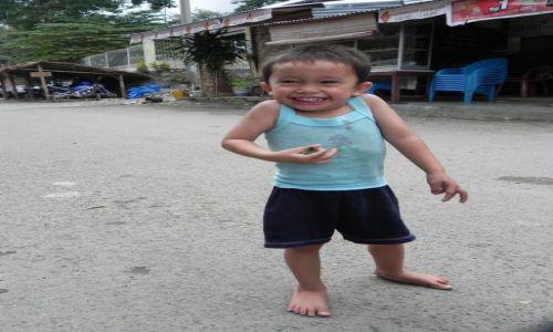 Zdjecie INDONEZJA / sumatra / bukit lawang / chłopiec