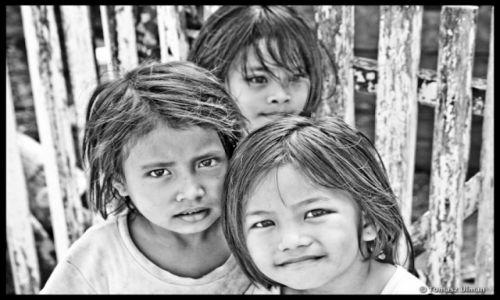 INDONEZJA / Sulawesi / Togeans / w wiosce