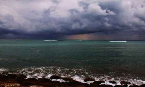 Zdjęcie INDONEZJA / Bali / Kuta / Przed burzą