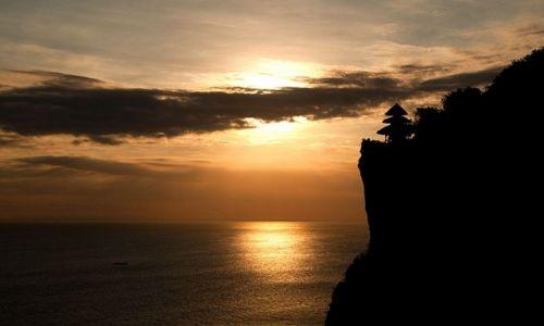 Zdjecie INDONEZJA / południowa Bali / Pura Luhur Uluwatu  / na skale