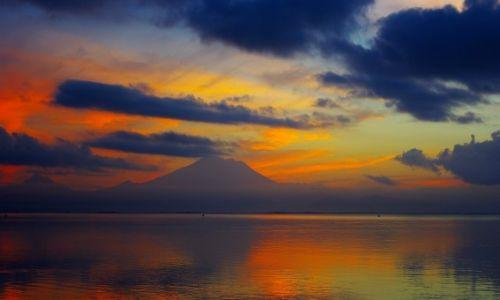 INDONEZJA / Bali / Sanur / Wschód słońca-Sanur