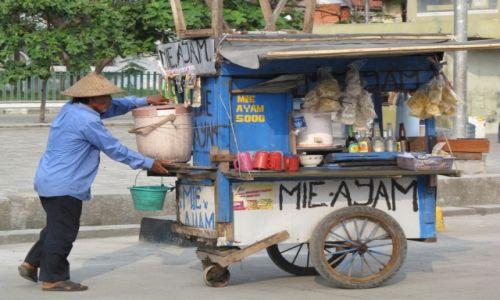 Zdjęcie INDONEZJA / Stolica / Dżakarta / Imbiss na kółkach