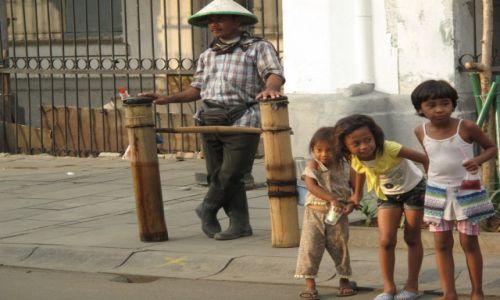 Zdjęcie INDONEZJA / Dżakarta / Dżakarta / Ciekawość