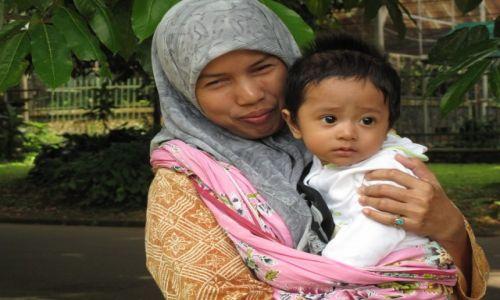 INDONEZJA / Jawa / Jawa / Miłość matki