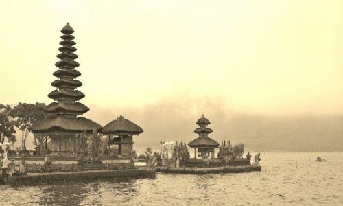 INDONEZJA / Bali / okolice Bedugul / Pura Ulun Danu Bratan