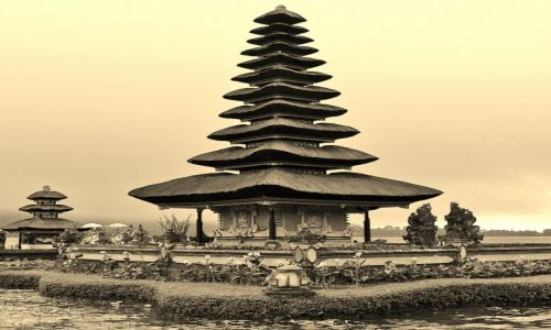INDONEZJA / Okolice Bedugul / Pura Ulun Danu Bratan / Pura Ulun Danu Bratan
