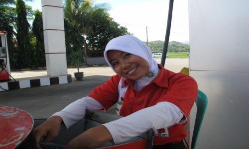 Zdjęcie INDONEZJA / Celebes / Celebes / Każdy uśmiech cenny