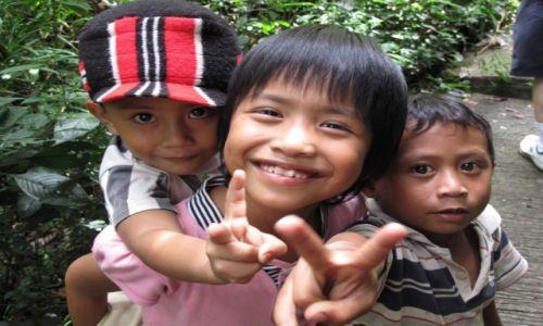 Zdjęcie INDONEZJA / Celebes / Celebes / Radość dziecka