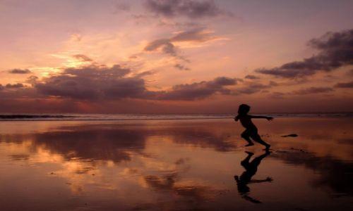 INDONEZJA / Bali / Kuta / Zachód słońca na Bali