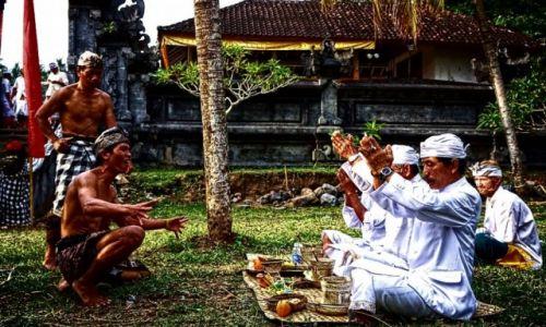 Zdjecie INDONEZJA / Bali / Kintamani / AMOK - składania ofiar