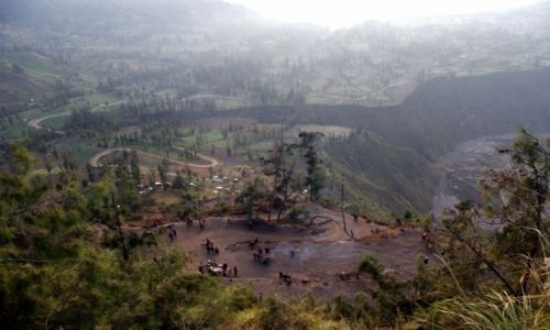 Zdjęcie INDONEZJA / Jawa / Bromo / Droga na punkt widokowy na wulkan Bromo