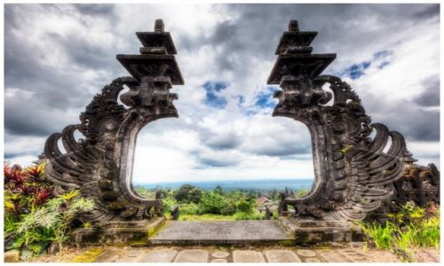 Zdjecie INDONEZJA / Bali / Pura Besakih / Pura Gelap - Entrance