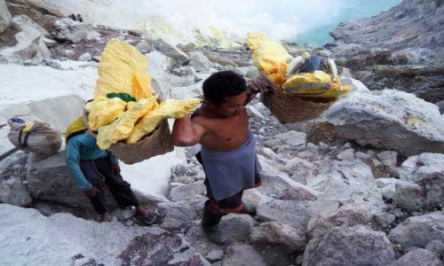 Zdjęcie INDONEZJA / Jawa / Wulkan Ijen / Śmiertelny trud