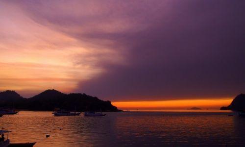 Zdjęcie INDONEZJA / Flores / Labuan Bajo / Sangeang ciągle dymi