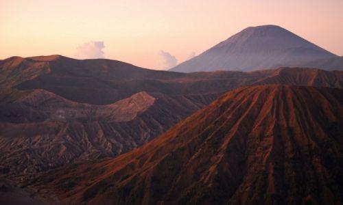 Zdjęcie INDONEZJA / Jawa / Wulkan Bromo / Wulkaniczna ziemia