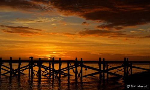 Zdjecie INDONEZJA / Flores / Kanawa / Zachód słońca