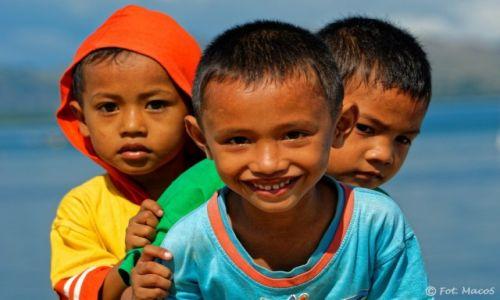 Zdjęcie INDONEZJA / Flores / Labuan Bajo / Maluchy
