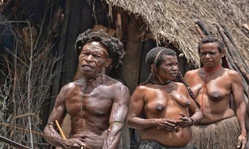 Zdjecie INDONEZJA / Papua Zachodnia / Dolina Baliem, wioska Dani / Plemię Dani - komu nie podobają się moje kobiety???